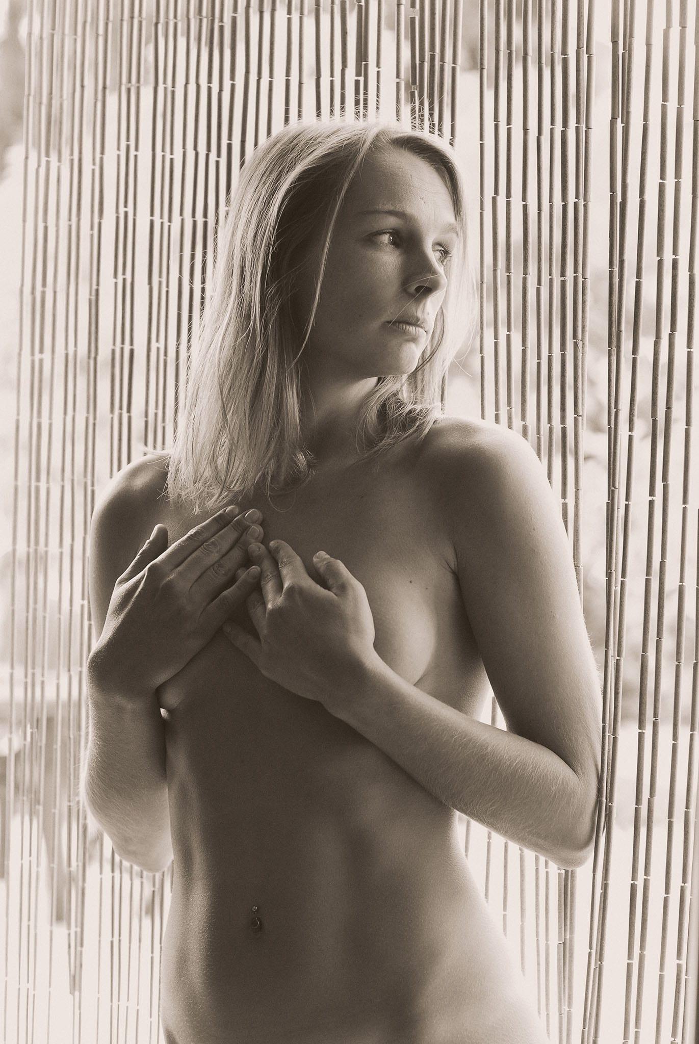 Akt 02 - Akt Nude Act Aktfotografie Erotik Erotic