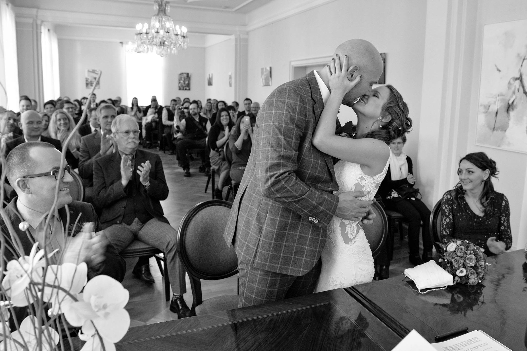 Hochzeit 007 Brautpaar Hochzeit heiraten Foto fotografieren Standesamt Lorsch Palais von Hausen Ja-Wort Hochzeitsfoto Daniel Fuss Fotografie