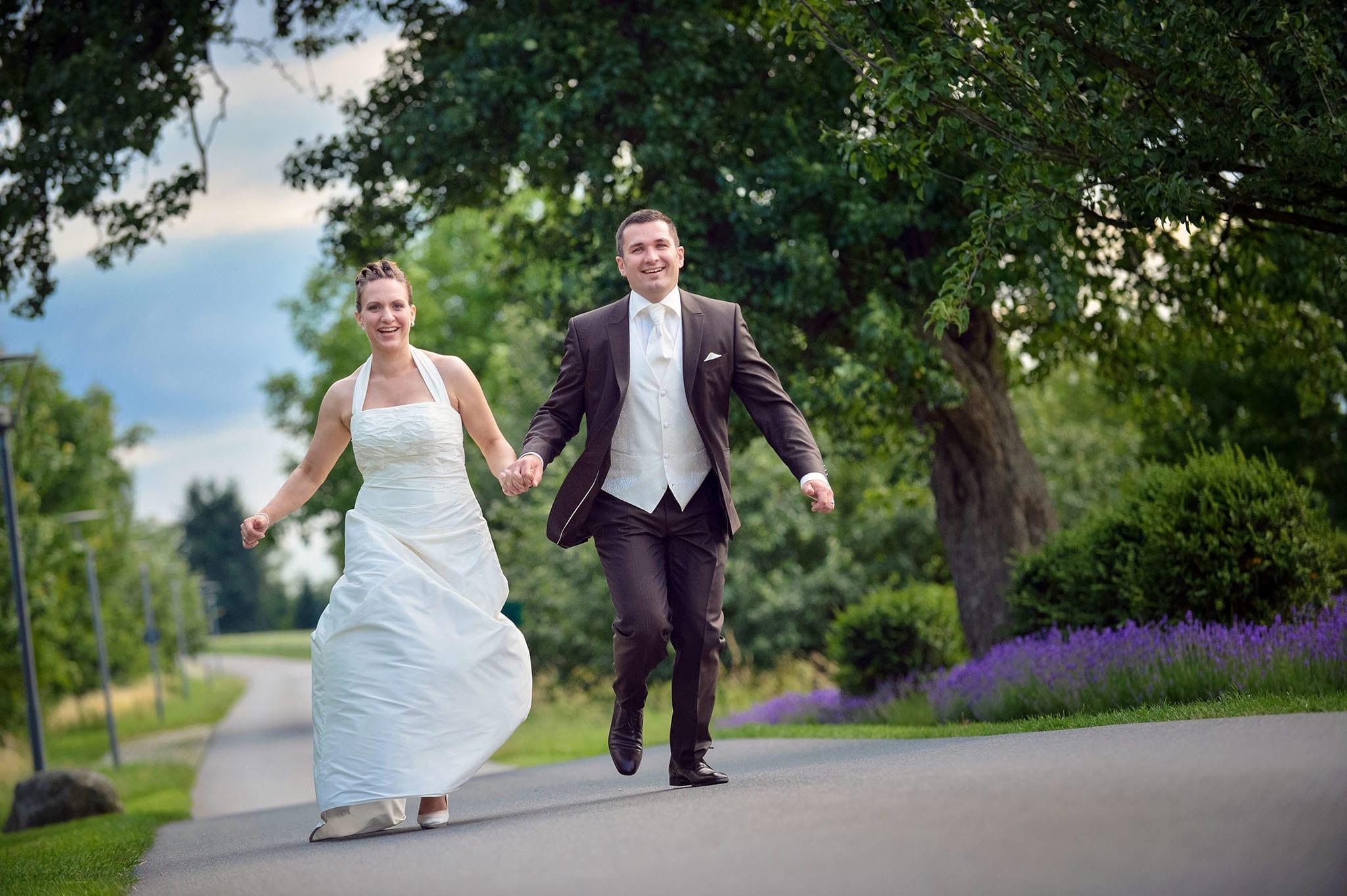 Hochzeit 018 Brautpaar Braut Bräutigam Hochzeit heiraten Foto Hochzeitsfoto Ehe Brautkleid Anzug Hochzeitsfotografie Daniel Fuss Fotografie