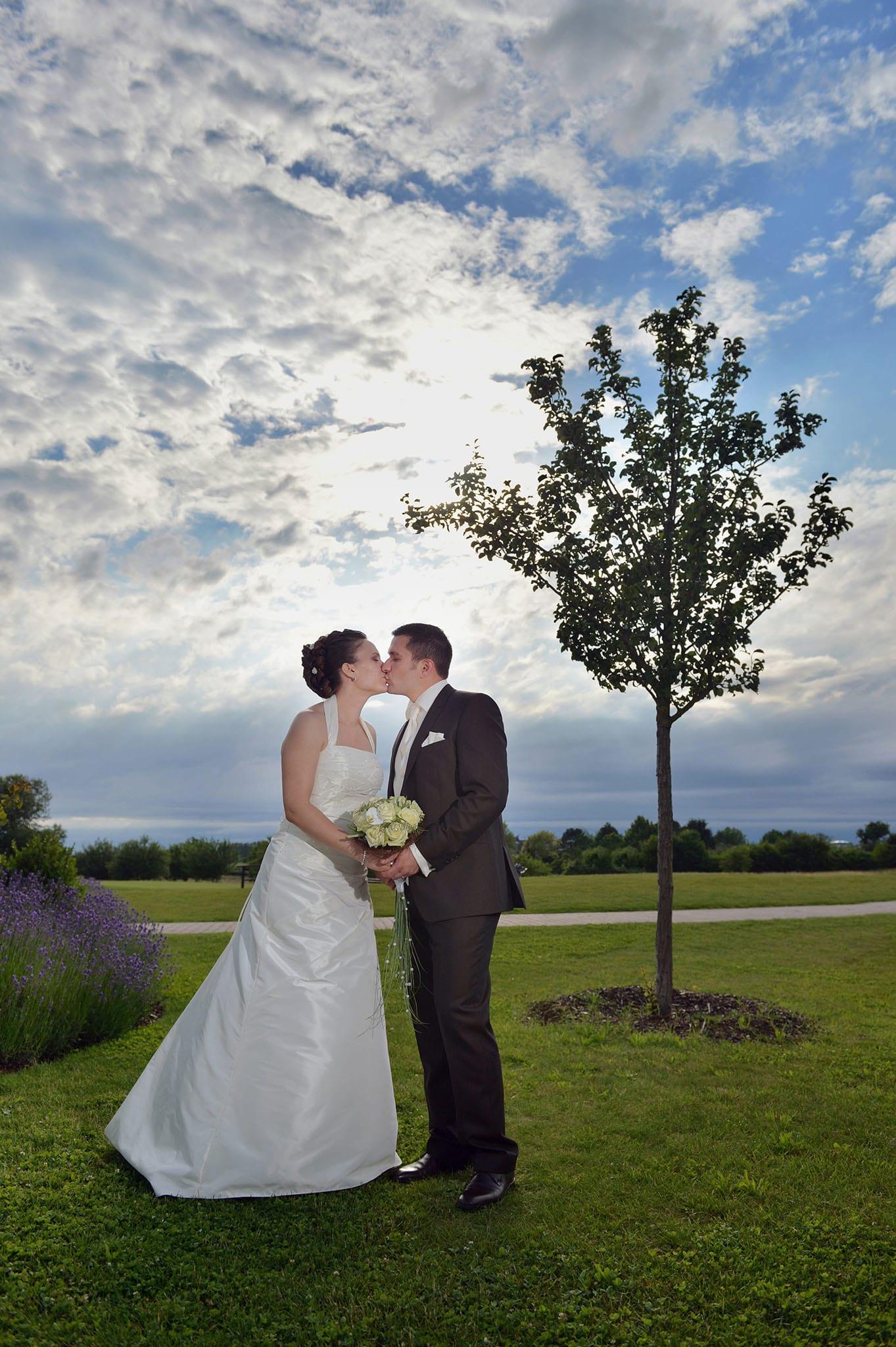Hochzeit 020 Brautpaar Braut Bräutigam Hochzeit heiraten Foto Hochzeitsfoto Ehe Brautkleid Anzug Hochzeitsfotografie Daniel Fuss Fotografie