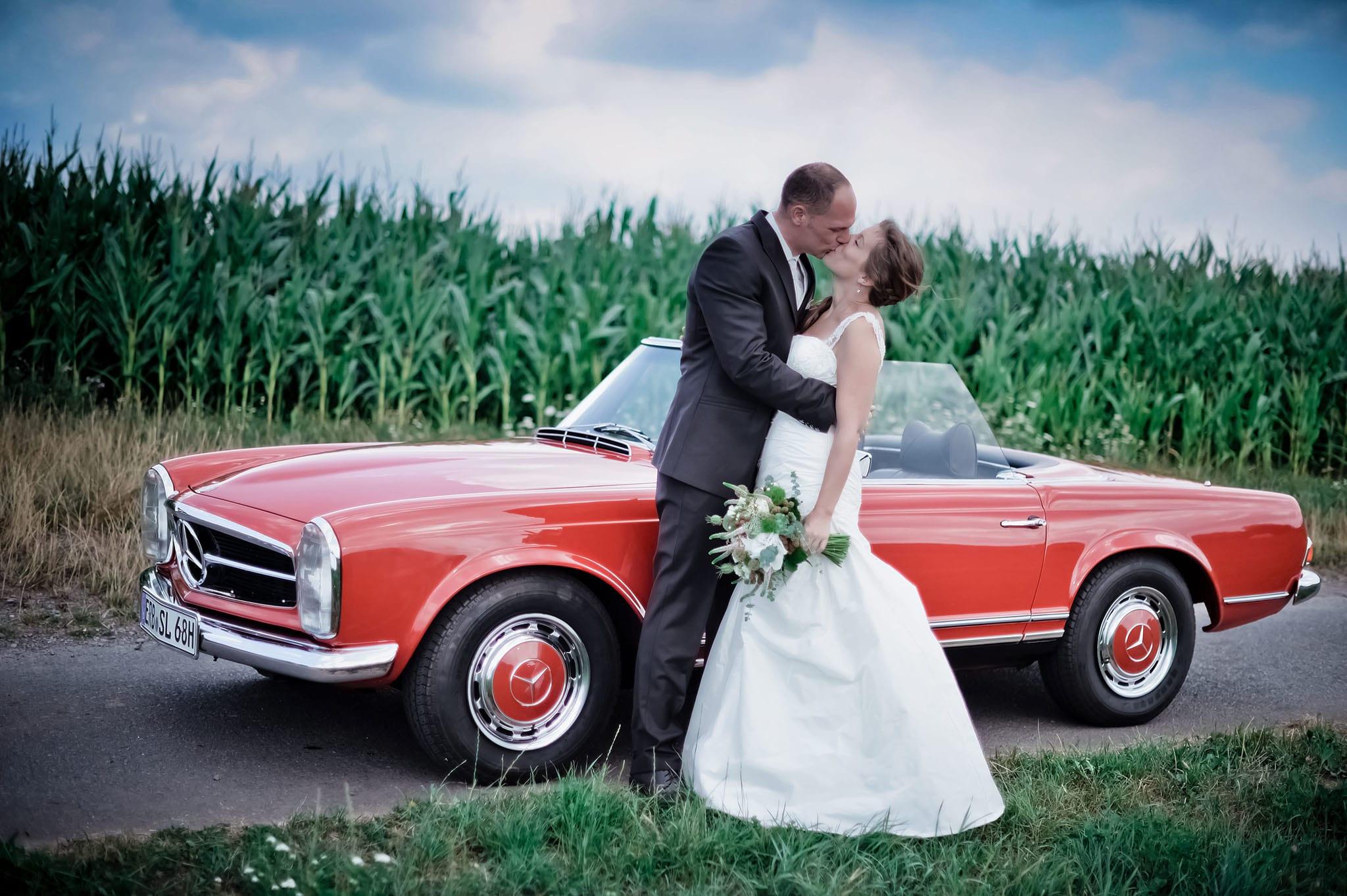 Hochzeit 045 Brautpaar Braut Bräutigam Hochzeit heiraten Hochzeitsfoto Oldtimer Odenwald Paarshooting Hochzeitsfotografie Daniel Fuss Fotografie