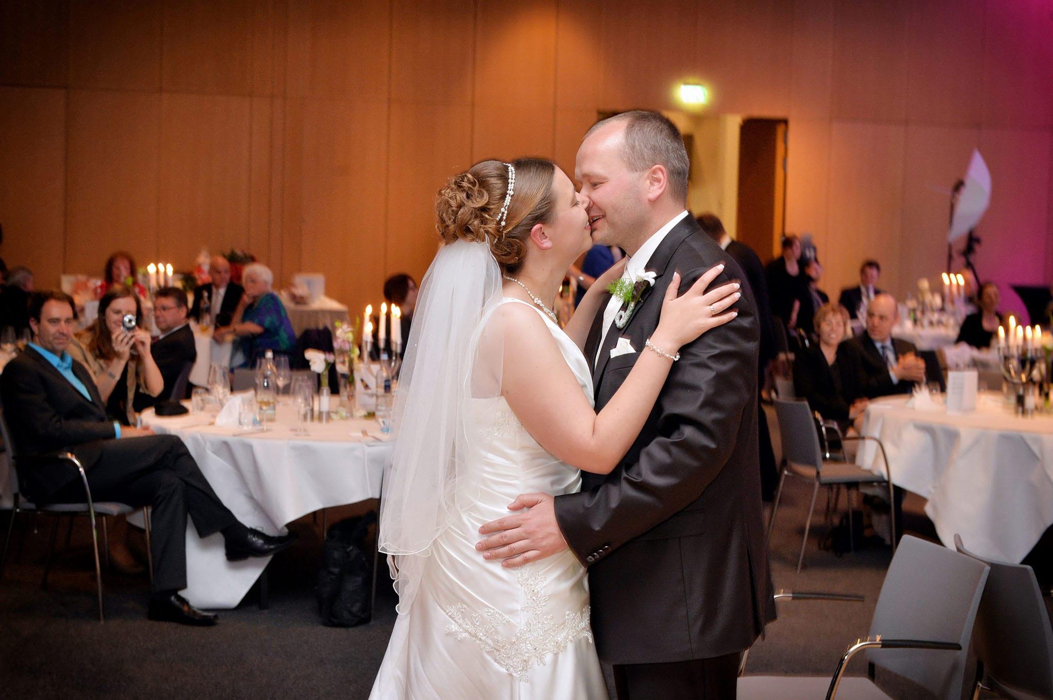 Hochzeit 056 Brautpaar Braut Bräutigam Hochzeit heiraten Hochzeitstanz Hochzeitsfotografie Daniel Fuss Fotografie